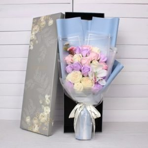 21 Light Purple Pink Roses