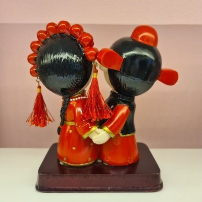 Wedding Toy Couple Holding Hand