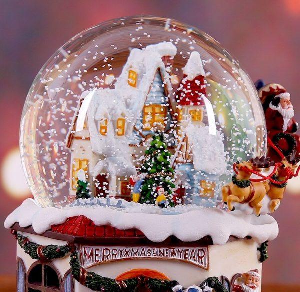 Snow House Santa Claus Music Box