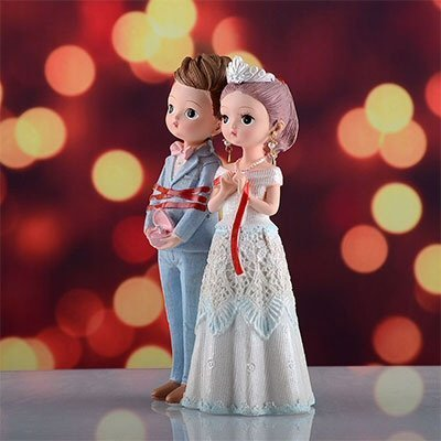 Wedding Figurines Encounter Love