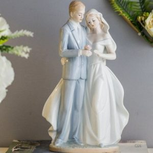 Wedding Gift Couple Figurines