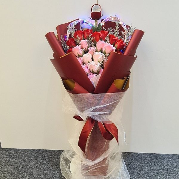 Be My Lover Ring Bouquet